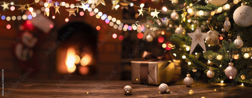 Leinwandbild Motiv - Pasko Maksim  : Christmas Tree with Decorations And Stars