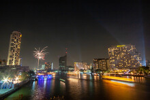 Fireworks, Take Photos Of The Night View Of The City On New Year's Day With Fireworks From A Boat In The Middle Of The River