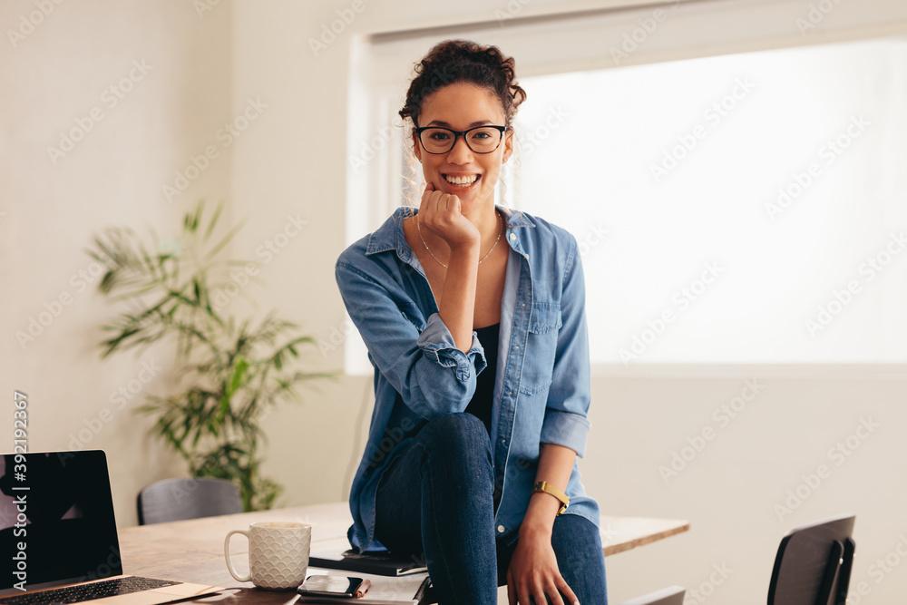 Fototapeta Woman sitting at home office