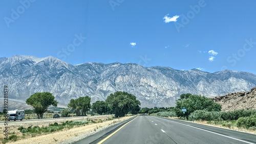 Cuadros en Lienzo on the road by bishop california