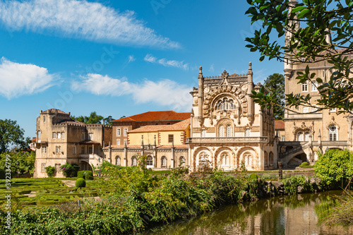 Fotografia View at the Palace of Bucaco with garden in Portugal