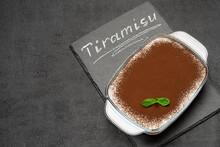Traditional Italian Tiramisu D...