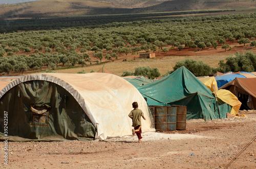 Fotografie, Obraz IDLIB, SYRIA - Jun 17, 2013: Internally displaced child Syrian refugees