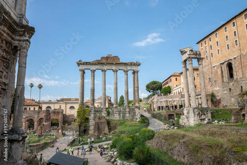 Obraz na plátně Panoramic view of temple of Vespasian and Titus is located in Rome