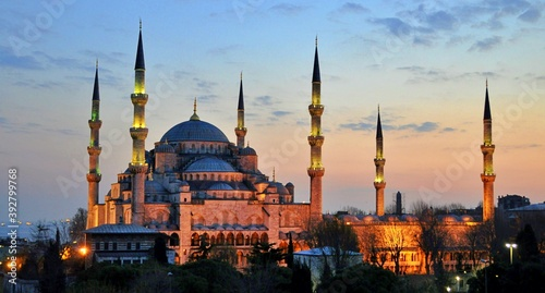 Fotografia View of Blue Mosque (Sultanahmet Cami) in Istanbul, Turkey.