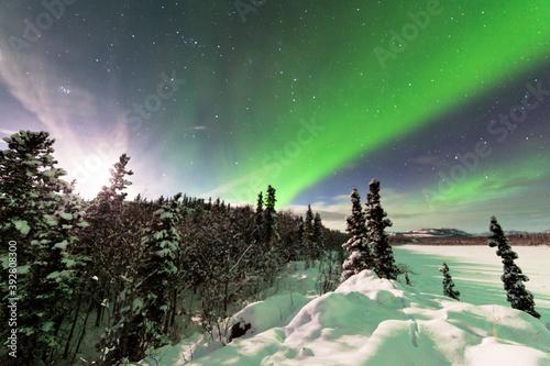 Intense display of Northern Lights Aurora borealis Fototapet