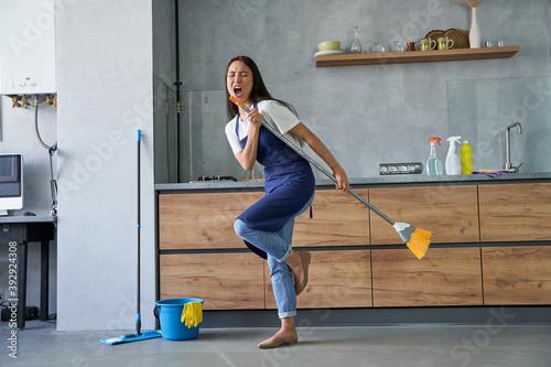 Tela Happy worker