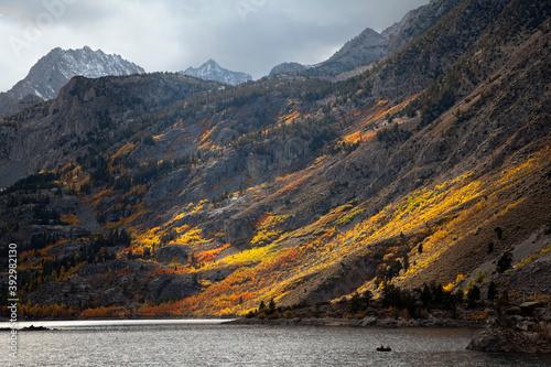 Fall colors at Lake Sabrina, Bishop, CA,. Fototapeta