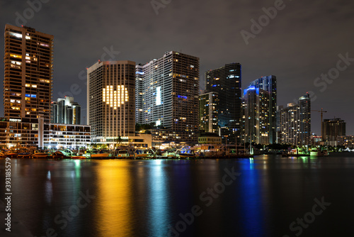 Fototapety, obrazy: Miami city night. Bayside Miami Downtown MacArthur Causeway from Venetian Causeway.