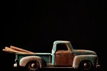Camioneta De Juguete Envejecid...