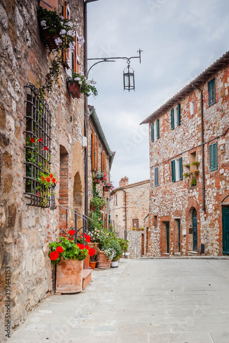 Fototapety, obrazy: Montefollonico, small ancient village in Tuscany, Italy