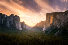 "The Fire Wall"""" Tunnel View Du..."