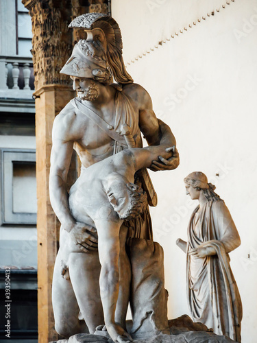 Menelaus supporting the body of Patroclus, in the Loggia dei Lanzi, Florence, Italy Billede på lærred