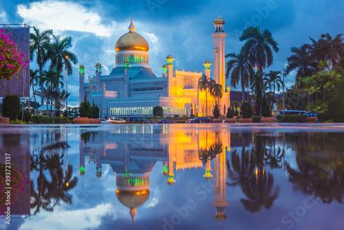 Omar Ali Saifuddien Mosque in Bandar Seri Begawan, brunei Poster Mural XXL