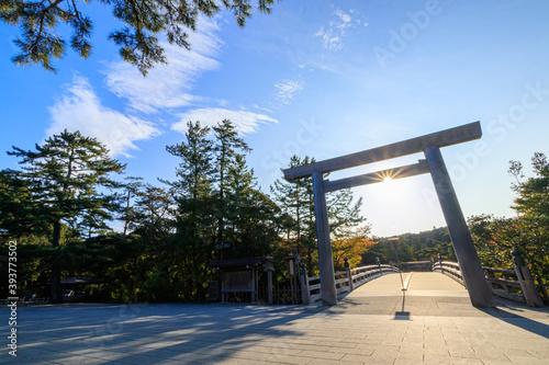 Obraz na plátně 朝日と伊勢神宮 三重県伊勢市  Sunrise and Ise Jingu Mie-ken Ise city