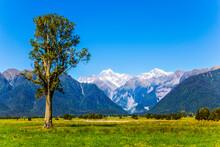 Mount Cook And Mount Tasman