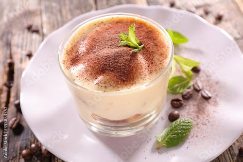 Canvastavla tiramisu cake in bowl- italian dessert