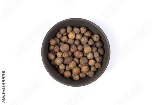 Papel de parede Cooking seasoning, allspice in a Cup on a white background