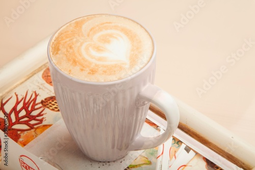 Tela Tall cup of cappuccino with decorative heart