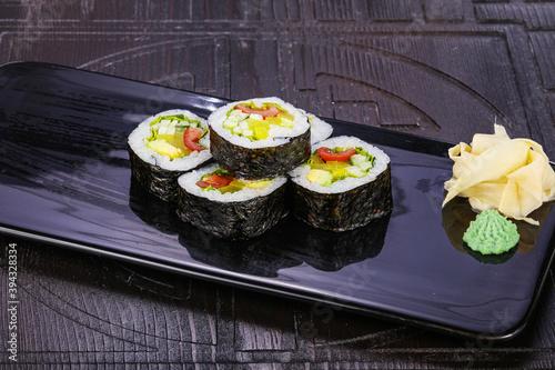 Fototapeta Japanese roll maki with vegetables obraz