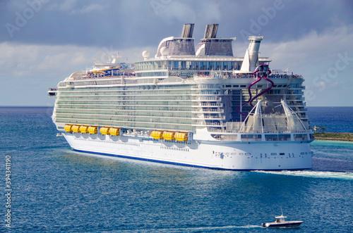 Fotografia Grösstes Kreuzfahrtschiff der Welt Royal Caribbean Harmony of the Seas / Largest