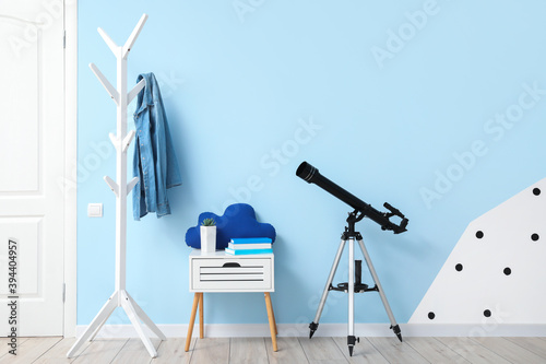 Foto Interior of modern hallway with telescope