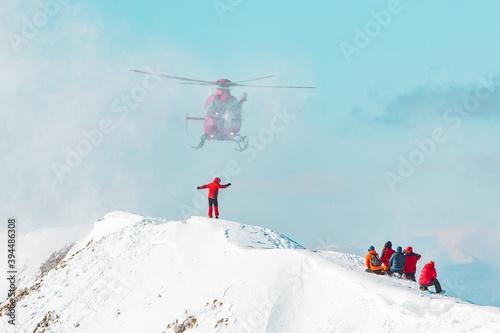 Fotografía Winter helicopter mountain rescue