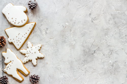 Fotografiet Top view of Christmas gingerbread cookies on kitchen table, top view