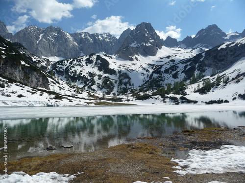 Fototapety, obrazy: Mountain hiking tour to Seebensee lake, Tyrol, Austria