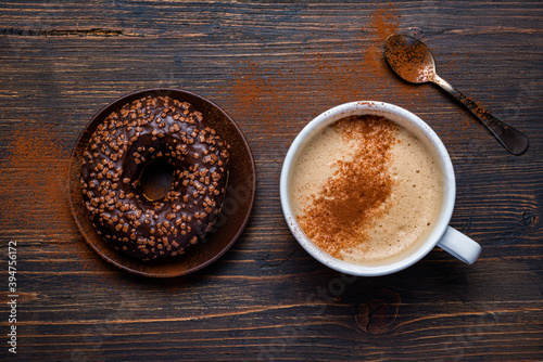 Papel de parede on the rustic wooden background, delicious breakfast with cappuccino and chocola