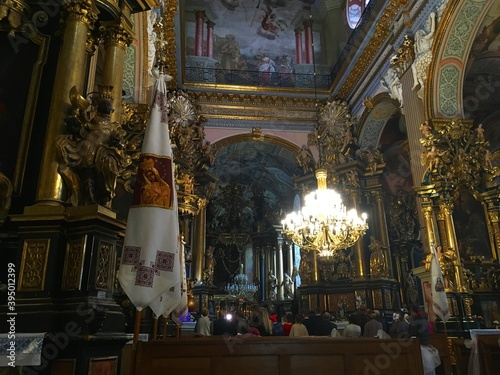 Canvas Print interior of the church of the holy sepulchre