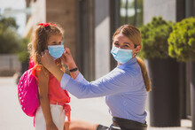 Teaching Children How To Wear Medical Mask To Protect Themselves