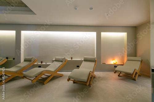 Fotografie, Tablou Sunbeds in spa wellness interior