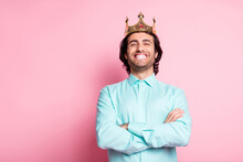 Photo Portrait Of King With Crossed Arms Smiling Isolated On Pastel Pink Colored Background With Blank Space
