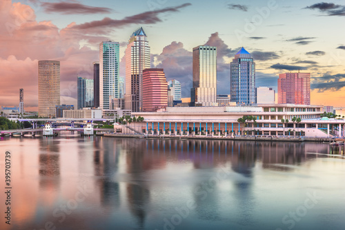 Tampa, Florida, USA downtown skyline on the bay at dawn. - fototapety na wymiar