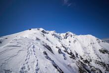 積雪した谷川岳の西黒尾根