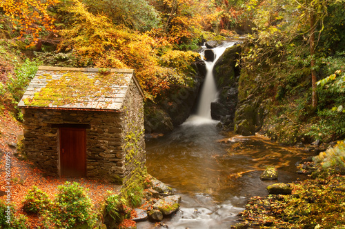 Fototapeta Waterfall at Rydal in Lake District