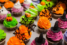 Colorful Cakes For Halloween. ...