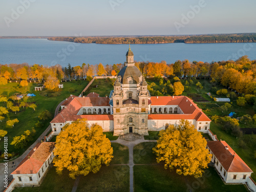 Obraz na plátně Aerial view of a sunset at Pazaislis monastery in Kaunas, Lithuania in autumn