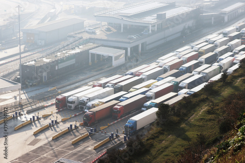 Fotografija Queue of Trucks at UK Docks