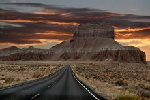 Straight Road To Red Mesa Thro...