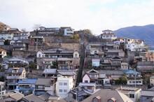 両城の100階段と町並み