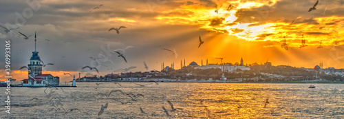 Twilight over the Bosphorus in Istanbul, HDR Image Fototapet