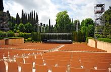 Teatro Al Aire Libre En Los Jardines Del Generalife De La Alhambra De Granada, Donde Se Celebra En Verano Un Famoso Festival De Música. Andalucía, España