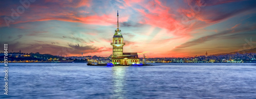 Obraz na plátně Maiden's Tower in istanbul, Turkey (KIZ KULESI - USKUDAR)