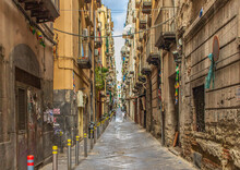 Naples, Italy - An Intricate Maze Of Narrow Streets And Alleys, The Spanish Neighborhoods (Quartieri Spagnoli) Are The Heart Of Naples. Here In Particular A Glimpse
