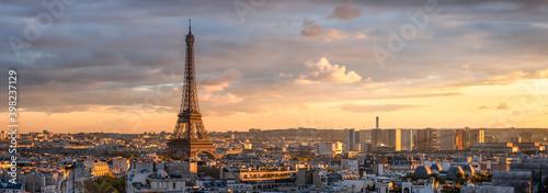 Fototapeta Panoramic view of the Paris skyline with Eiffel Tower obraz