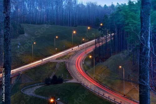 Fototapeta Gdynia - Trasa Kwiatkowskiego, połączenie z Obwodnicą Trójmiasta - Trójmiejski Park Krajobrazowy - listopad 2020 obraz