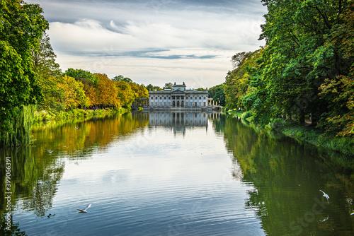 Łazienki Warszawskie - pałac na wodzie #399066391