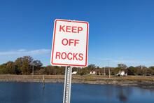 Keep Off Rocks Sign At A Basin In Stamford Connecticut